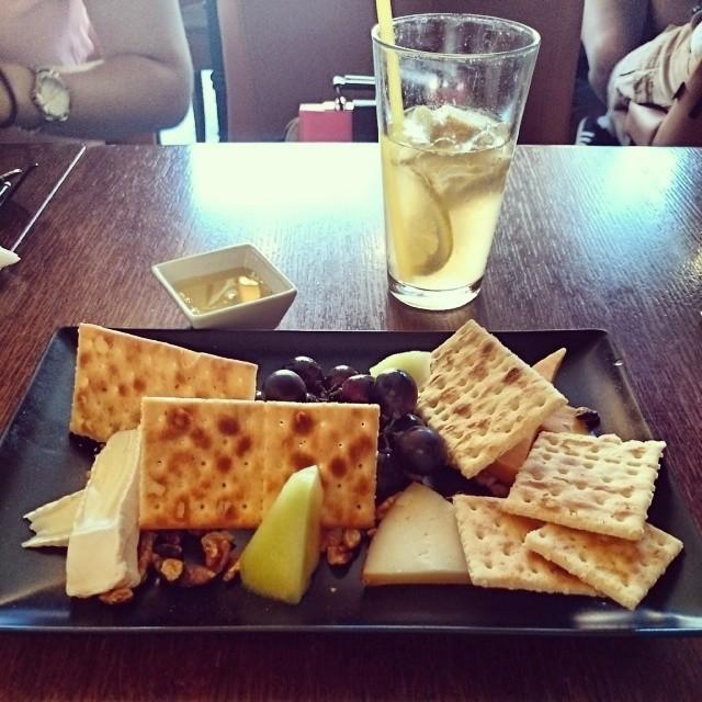 Olivo cheeseplate